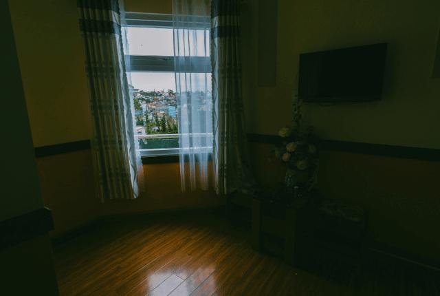 חלון נקי עם נוף